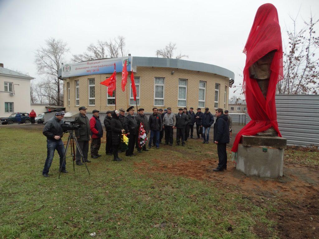 Памятник с семейный Шахунья памятник с крестом Жердевка